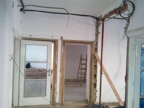 Proiect de consolidare a imobilului de pe Str. Mr. Cranta (recompartimentare + sustinere planseu de lemn)  - Poza 1