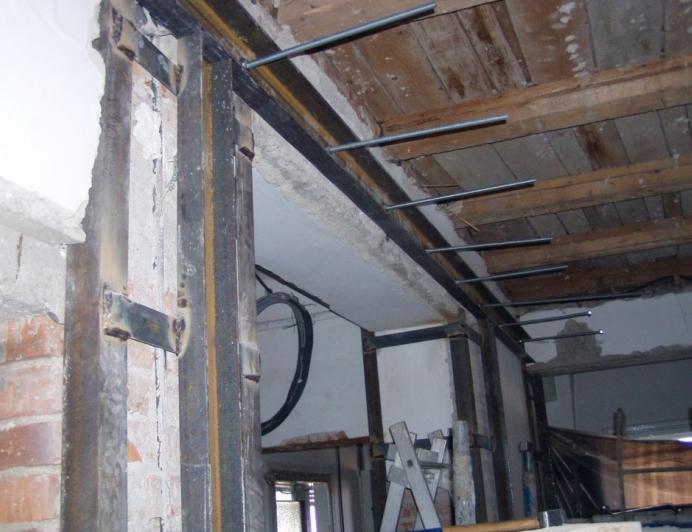 Proiect de consolidare a imobilului de pe Str. Mr. Cranta (recompartimentare + sustinere planseu de lemn)  - Poza 2