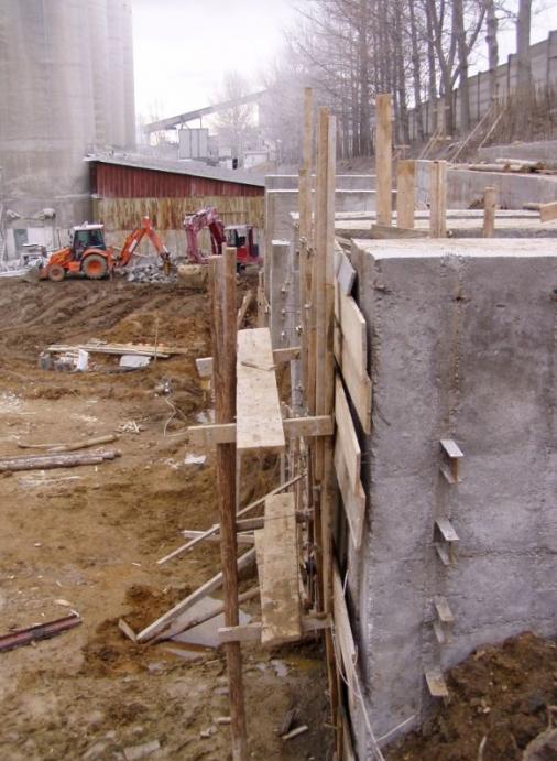 Stabilizare versant si proiectare cladire industriala - Carmeuse Campulung  - Poza 4