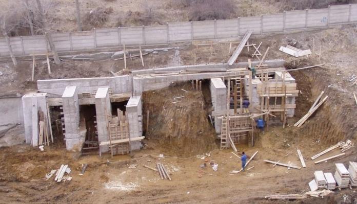 Stabilizare versant si proiectare cladire industriala - Carmeuse Campulung  - Poza 5