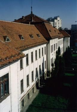 Consolidare, reparatii capitale, refunctionalizari la spatiile existente - Tribunalul Brasov, 2000-2004 CERENG CONSULT - Poza 1
