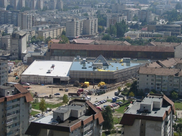 Statie de Mall & Supermarket Magnolia Center - Beneficiar Temwar Center - Brasov, 2006 CERENG CONSULT - Poza 1