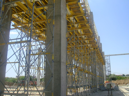 Lucrari de referinta Montaj schela portanta Staxo 40 Maritimo Center DOKA - Poza 4