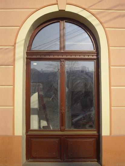 25 (fereastra D.J.C.P.C.N. Zalau) Ferestre din lemn
