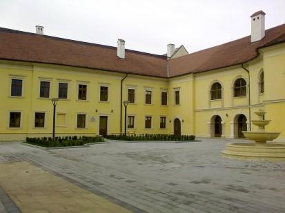 31 (Palatul Apor Alba Iulia) Ferestre din lemn