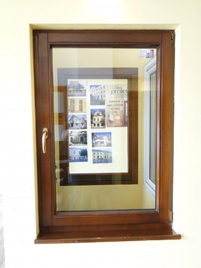 4 (fereastra din lemn stratificat rasinos) Ferestre din lemn