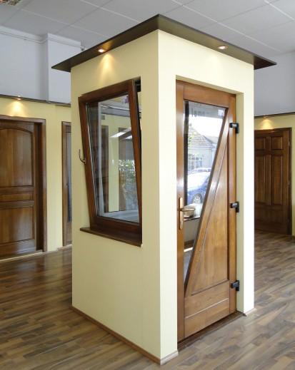 7 (fereastra si usa exterioara din lemn stratificat stejar) Ferestre din lemn
