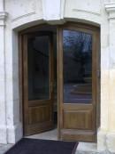 3 (usa exterioara intrare institutie)   Usi de exterior din lemn stratificat   
