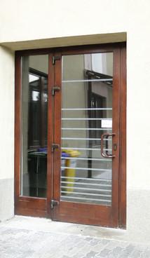 Prezentare produs Usi de exterior din lemn stratificat  PROLEMATEX - Poza 6