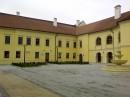 17 (Castelul Apor Alba Iulia 1) | Usi de exterior din lemn stratificat  |