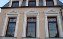 Profile decorative din polistiren pentru exterior VOPOofera profile din polistiren expandat pentru decorarea fatadelor cladirilor, coloane decorative, baghete si scafe ornamentale din polistiren extrudat.