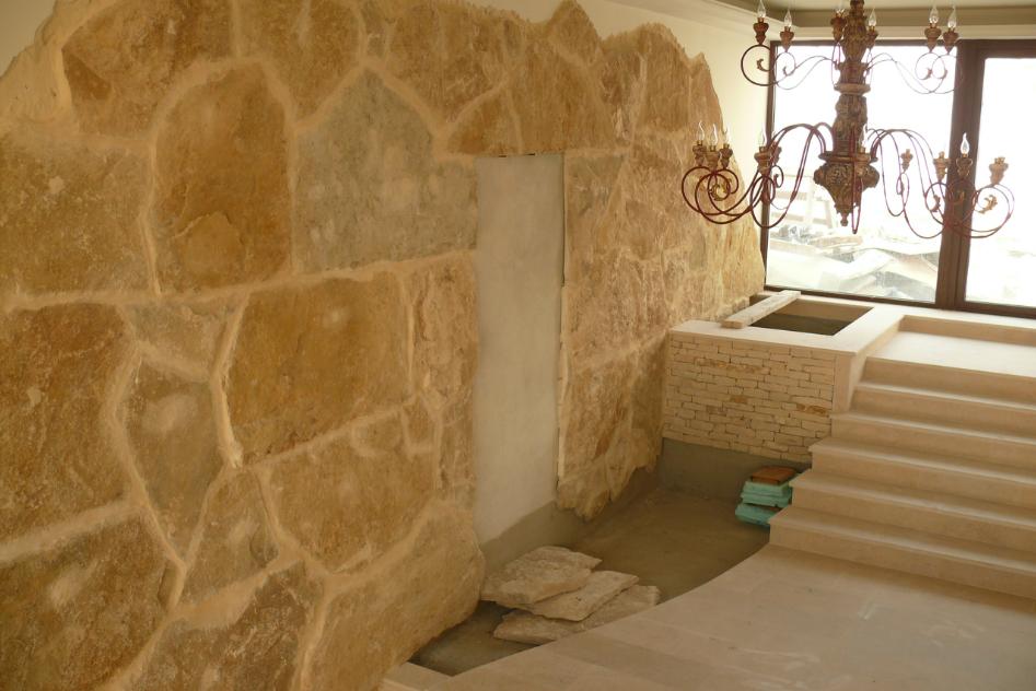 Finisaje interior din piatra naturala de Vistea LEVENTE COMPANIE - Poza 16