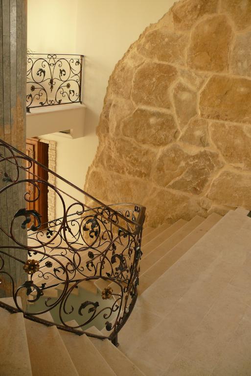 Finisaje interior din piatra naturala de Vistea LEVENTE COMPANIE - Poza 17