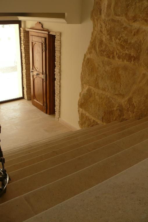 Amenajari interioare cu piatra naturala de Vistea LEVENTE COMPANIE - Poza 19