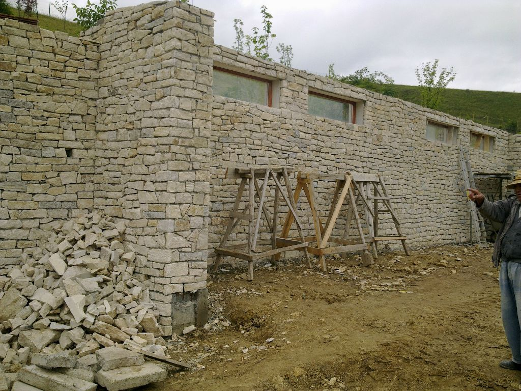 Zidarie din piatra naturala de Vistea LEVENTE COMPANIE - Poza 9