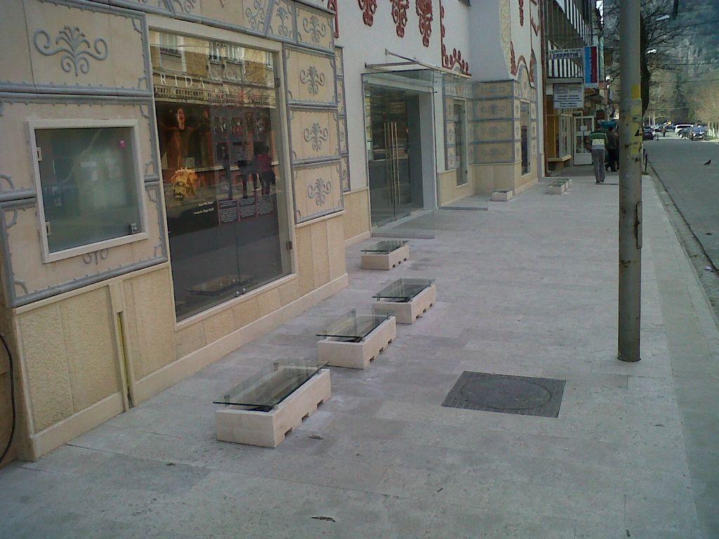 Socluri placate cu piatra naturala de Vistea LEVENTE COMPANIE - Poza 17