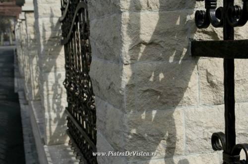 Lucrari de referinta Garduri din piatra naturala de Vistea LEVENTE COMPANIE - Poza 2
