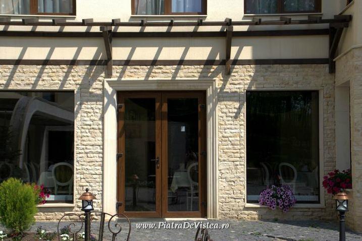 Ancadramente geamuri din piatra naturala de Vistea LEVENTE COMPANIE - Poza 11