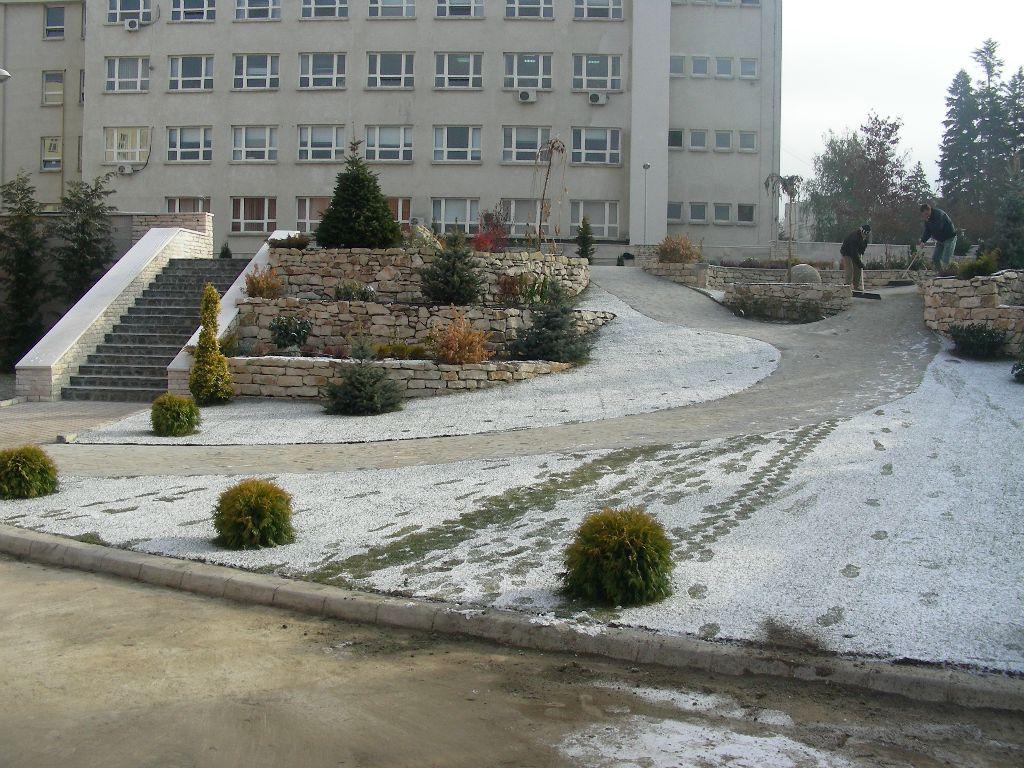 Amenajari gradini cu piatra naturala de Vistea LEVENTE COMPANIE - Poza 3