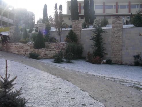 Lucrari de referinta Amenajari gradini din piatra naturala de Vistea LEVENTE COMPANIE - Poza 5