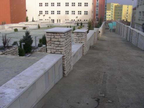 Lucrari de referinta Amenajari gradini din piatra naturala de Vistea LEVENTE COMPANIE - Poza 14