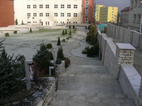 Lucrari, proiecte Amenajari gradini cu piatra naturala de Vistea LEVENTE COMPANIE - Poza 15