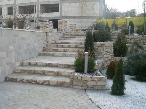 Lucrari de referinta Amenajari gradini din piatra naturala de Vistea LEVENTE COMPANIE - Poza 16