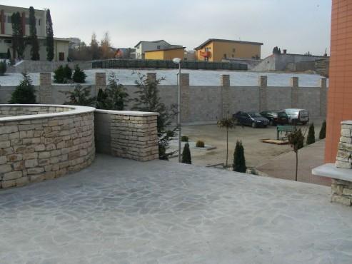 Lucrari de referinta Amenajari gradini din piatra naturala de Vistea LEVENTE COMPANIE - Poza 20