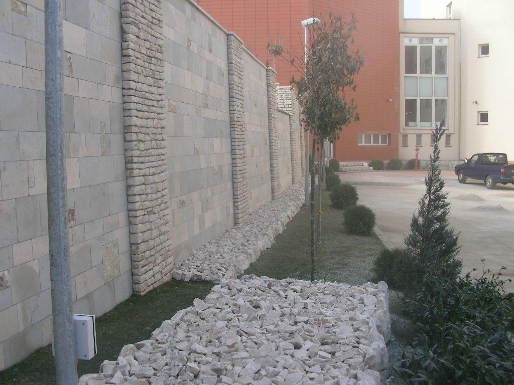 Amenajari gradini cu piatra naturala de Vistea LEVENTE COMPANIE - Poza 21