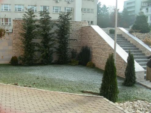 Lucrari de referinta Amenajari gradini din piatra naturala de Vistea LEVENTE COMPANIE - Poza 27