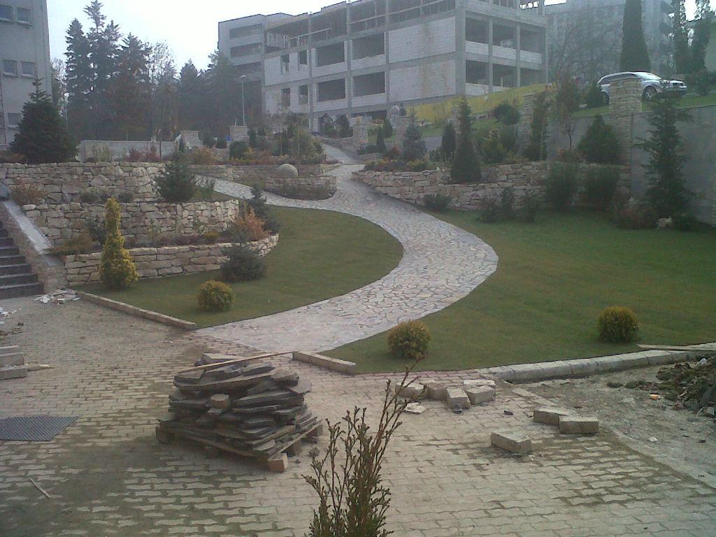 Amenajari gradini cu piatra naturala de Vistea LEVENTE COMPANIE - Poza 36