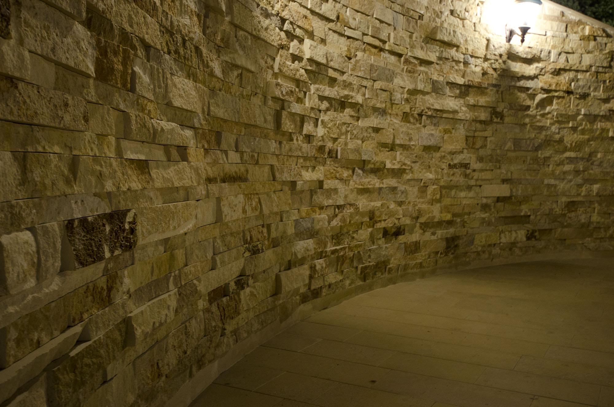 Trepte/Placaje din piatra naturala de Vistea LEVENTE COMPANIE - Poza 35