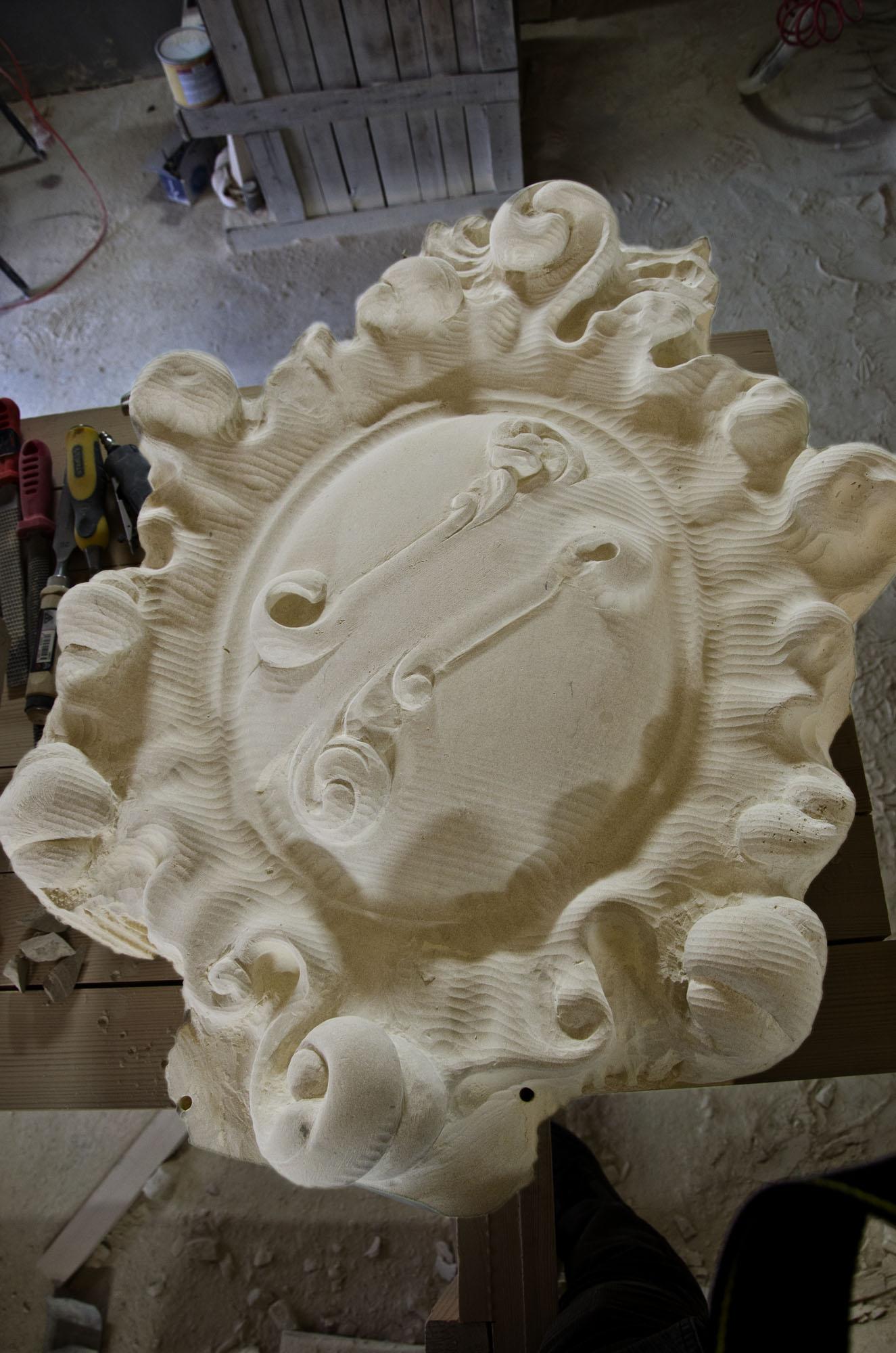 Sculptura in piatra LEVENTE COMPANIE - Poza 1