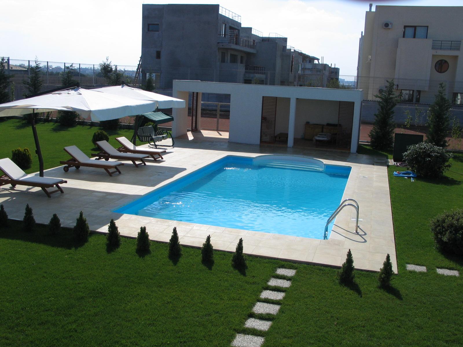 Prezentare produs piscine rezidentiale kasta metal poza 64 for Piscine 64
