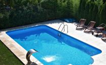 Piscine rezidentiale  KASTA METAL ofera o gama variata de piscine rezidentiale.Dotarea piscinelor se face cu echipamente ultra moderne care asigura calitatea apei la standarde europene.