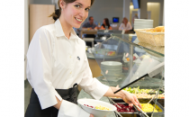 Servicii de catering Serviciile de catering ISS reprezinta o intreaga ceremonie de distribuire a unor produse sanatoase, cu putine grasimi si gustoase, in spatii prietenoase.
