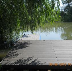 Amenajari tip decking pentru piscine, terase si gradini din lemn compozit WPC BENCOMP