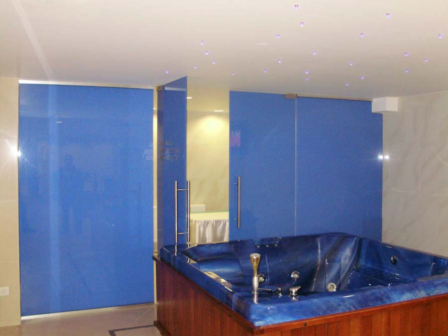 Perete sticla securizata colorata Hotel Minerva  - Poza 20