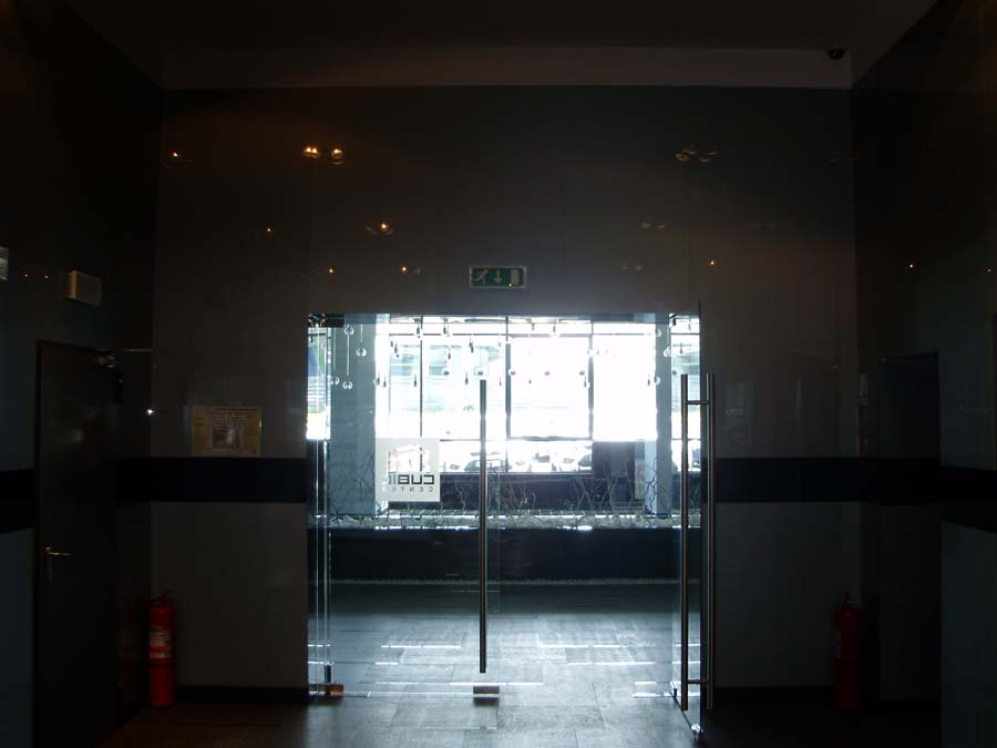 Usi de sticla securizata Cubic Center  - Poza 24
