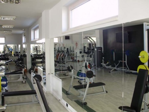 Placare cu oglinzi sala fitness SAINT GOBAIN GLASS - Poza 3