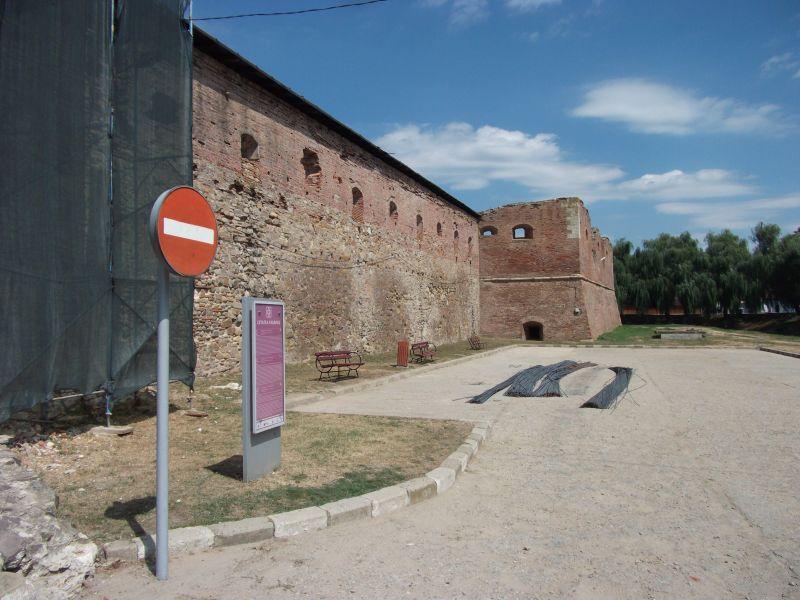 Stoparea umezelii ascensionale cu Dryzone la Cetatea Fagarasului c&a construct - Poza 4