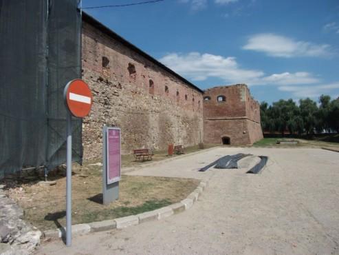 Lucrari de referinta Stoparea umezelii ascensionale cu Dryzone la Cetatea Fagarasului c&a construct - Poza 4