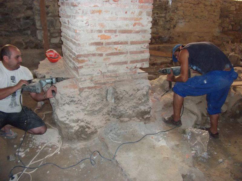 Stoparea umezelii ascensionale cu Dryzone la Cetatea Fagarasului c&a construct - Poza 5