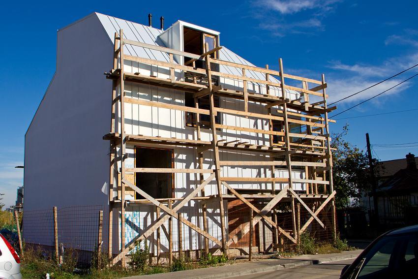 Proiect rezidential fatada si invelitoare, cu tabla faltuita Onyx Pearl - Bucuresti ACOPERO - Poza 6