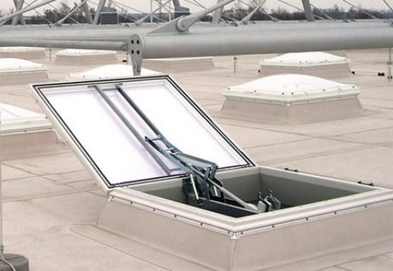 Trape de fum si componente pentru ventilatie VELUX Commercial
