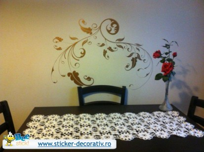 Stickere, folii decorative - poze primite de la clienti / 553031_573794602638722_460604585_n
