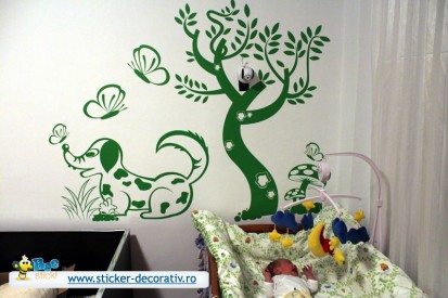 Stickere, folii decorative - poze primite de la clienti / 563607_524157660935750_1371718413_n