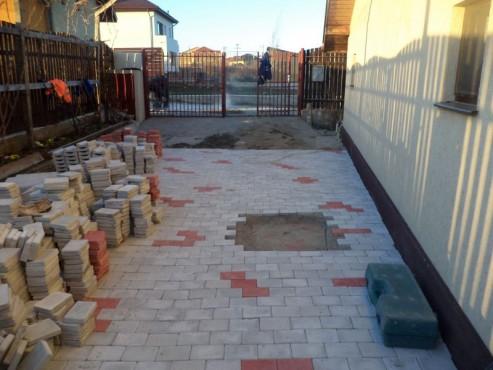 Exemple de utilizare Pavele din beton - Combinatie de rosu deschis cu gri deschis CONSTRUCTII MILLENIUM - Poza 2