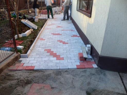 Exemple de utilizare Pavele din beton - Combinatie de rosu deschis cu gri deschis CONSTRUCTII MILLENIUM - Poza 3