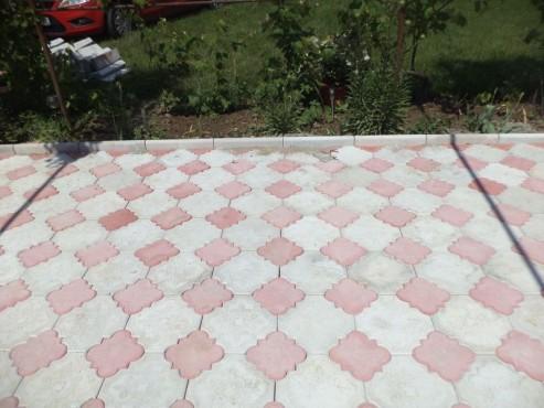 Exemple de utilizare Pavele din beton - Combinatie de rosu deschis cu gri deschis CONSTRUCTII MILLENIUM - Poza 4
